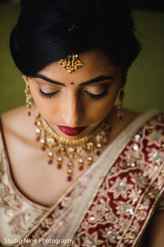 Stunning Indian bride with tikka.