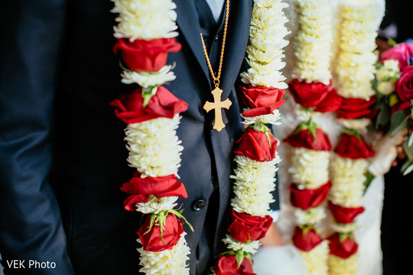 indian wedding,raja,venue,garland