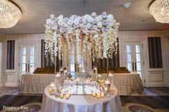 Graceful floral design for the table ids