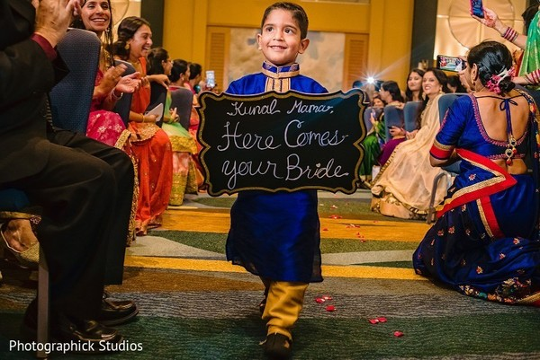 indian wedding ceremony,indian pageboy
