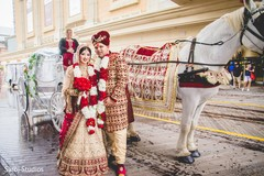 Stunning capture of Indian newlyweds and the carriage