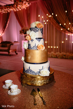 Magnificent Indian wedding cake capture.