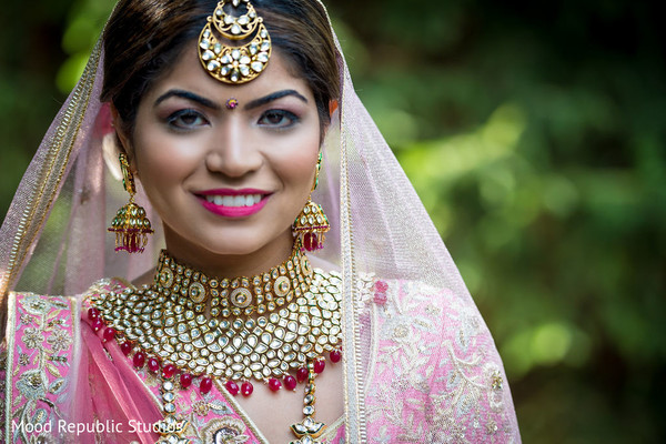 Amazing Indian bride posing for pictures