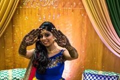 Beautiful maharani showing her mehndi design