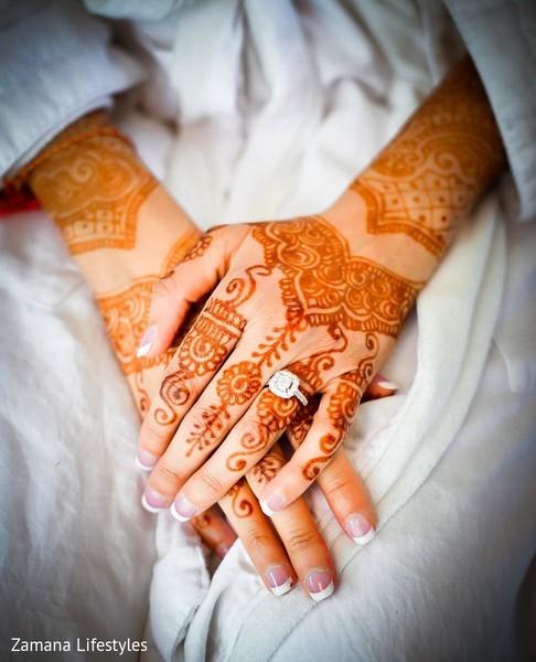 Magnificent Indian bridal mehndi art.