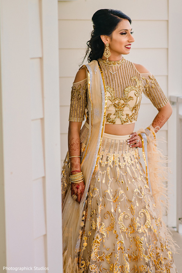 indian bride,indian bridal jewelry,indian bridal reception fashion
