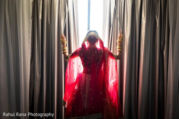 indian bride,maharani,window,lengha