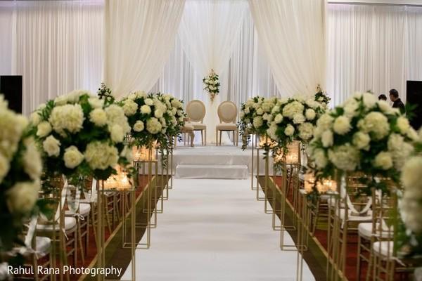 indian wedding,maharani,venue,decor