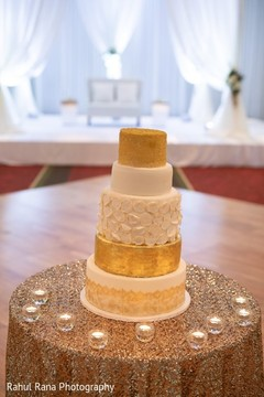 Details of the Indian wedding cake at the venue