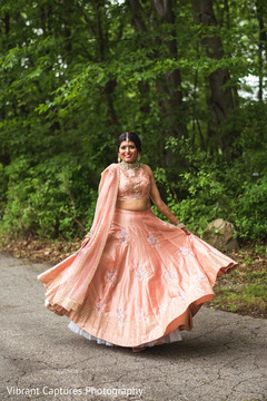 Take a look at this cute indian bride.