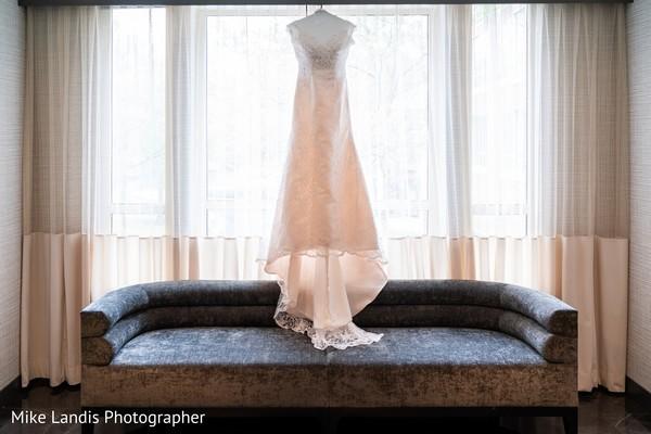 Indian bride's reception wedding dress capture.
