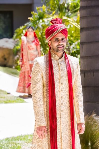 Capture of Raja waiting for Maharani outdoors