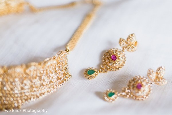Indian bride's jewelry details