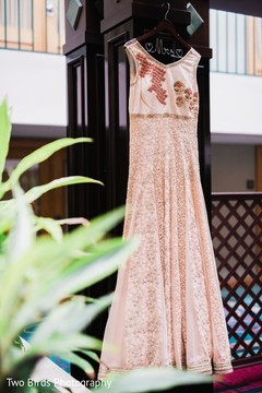 Details of the Indian wedding dress to be used at the ceremony