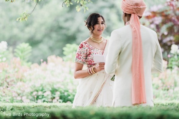 indian wedding,first look,outdoors,venue