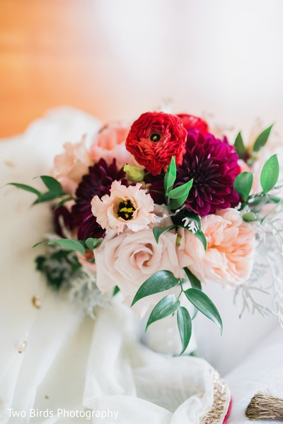 Floral arrangement on the bridal accessories
