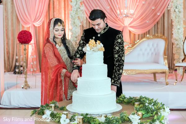 indian bride,indian groom,indian wedding reception,cake