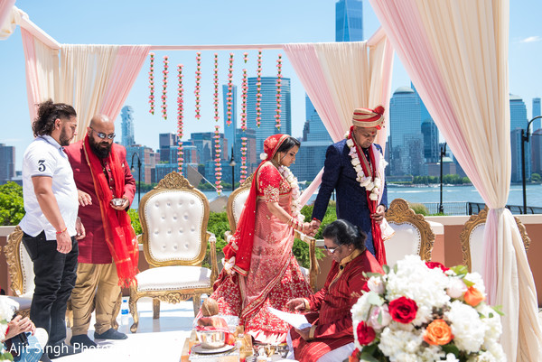 indian bride,indian groom,indian wedding ceremony,indian wedding ceremony ritual