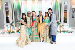 Lovely photography of Indian bride and loved ones