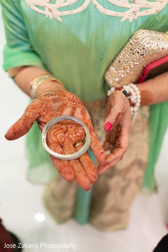 Details of the beautiful mehndi design and jewelry
