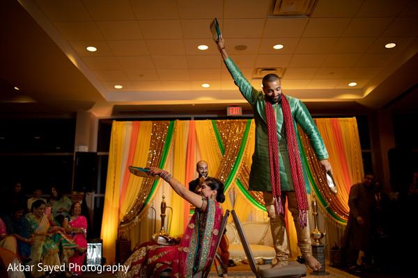 Indian sangeet dance game capture.