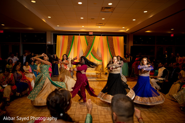 Amazingly upbeat Indian bridesmaids dance performance.