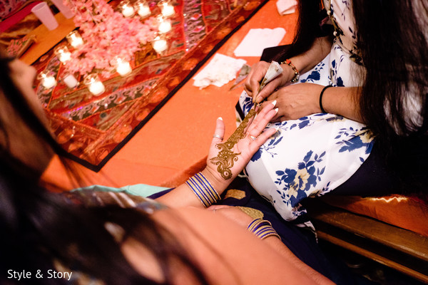 Marvelous Henna art being done capture.