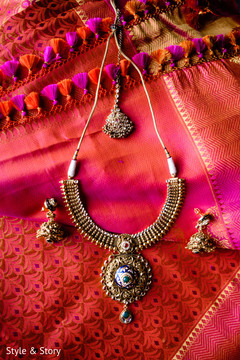 Indian bridal  Polki necklace choker  and earrings.