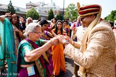 Impressive Indian pre-wedding baraat dance.