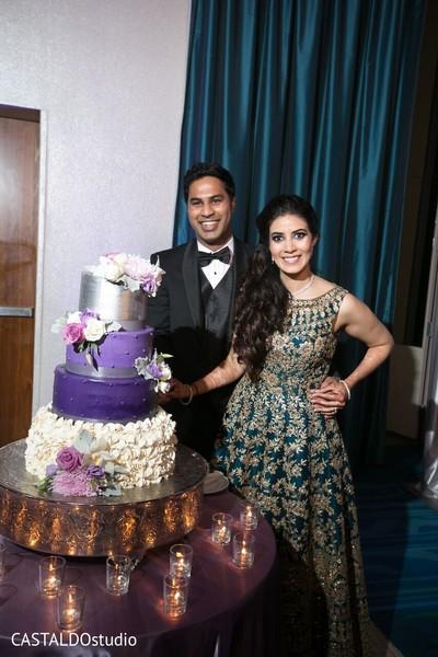indian wedding cake,indian bride and groom,indian wedding reception fashion