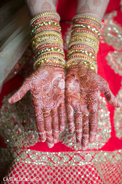 indian bride fashion,indian bride jewelry,bridal mehndi