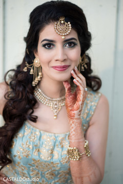 Stunning Indian bridal sangeet jewelry.