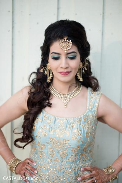 Astonishing Indian bridal sangeet fashion.