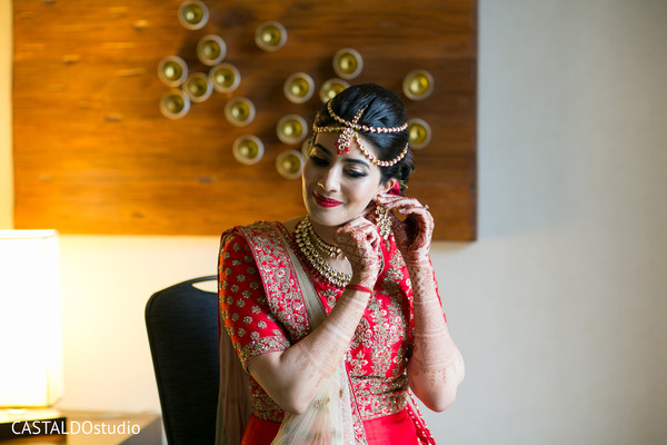 indian bride fashion,indian bride jewelry,bridal makeup