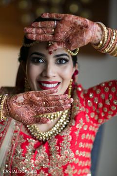 Enchanting Indian bridal henna art.