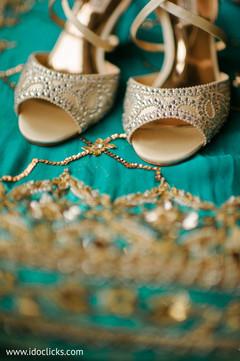 Marvelous maharani's reception shoes.