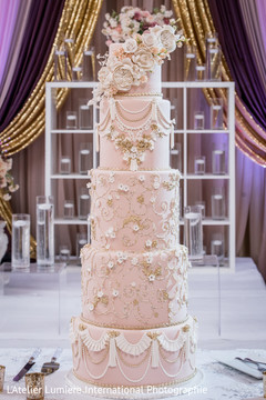 Incredible Indian wedding cake capture.