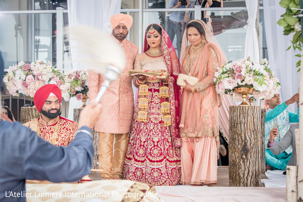 indian wedding ceremony,traditional ceremony fashion,indian bride