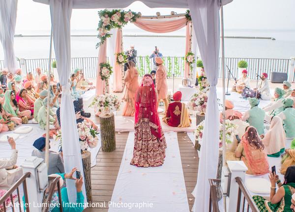 Incredible capture of Indian wedding ceremony.
