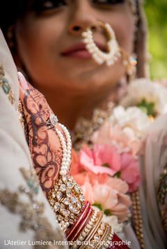 Indian brides engagement ring photo.