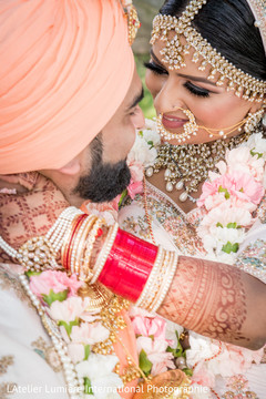 Romantic Indian wedding photo shoot style.
