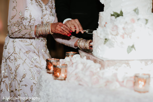 indian bride,indian wedding,cake,venue