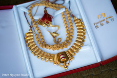 Marvelous Indian bridal necklace and necklace choker.