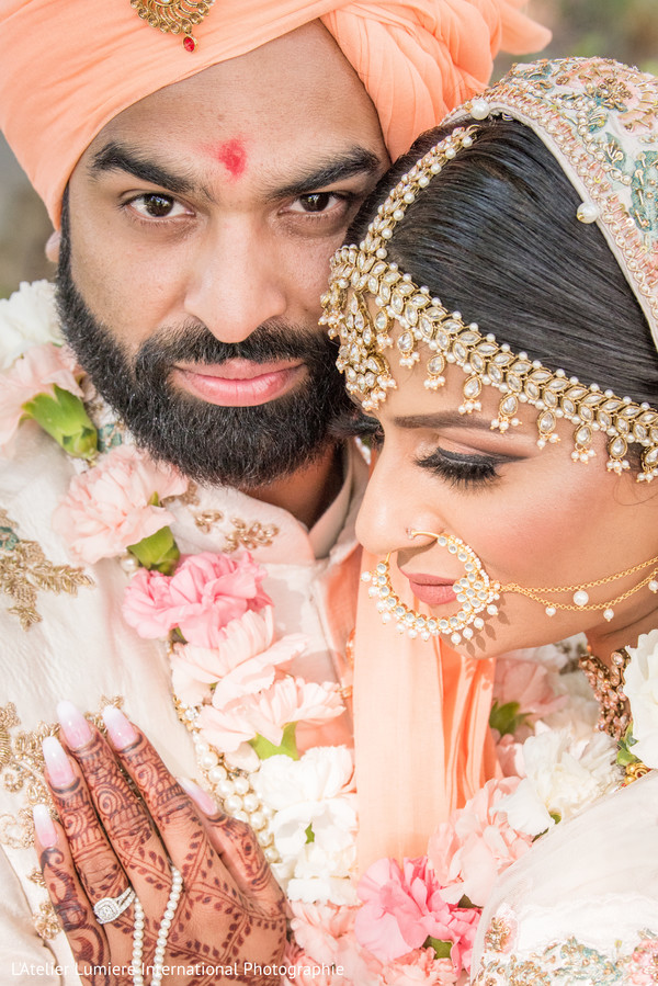 indian groom,indian bride,indian sikh wedding fashion