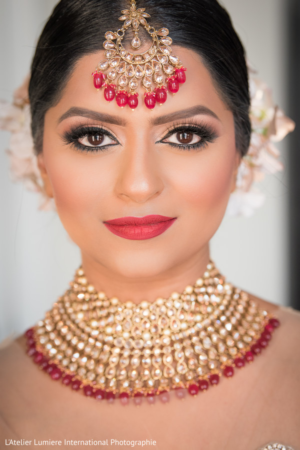 indian bride,bridal jewelry,bridal makeup