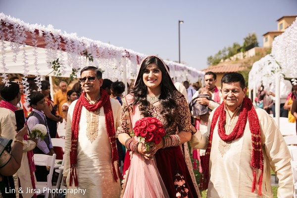 indian bride,indian wedding entrance