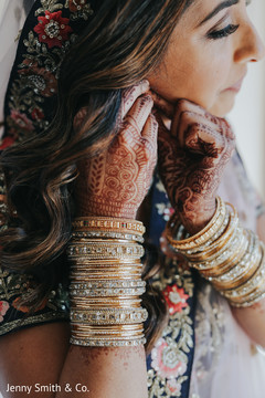 See this beautiful capture of the bride's jewelry