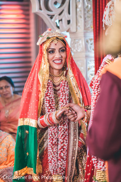 See this lovely Maharani in her wedding attire