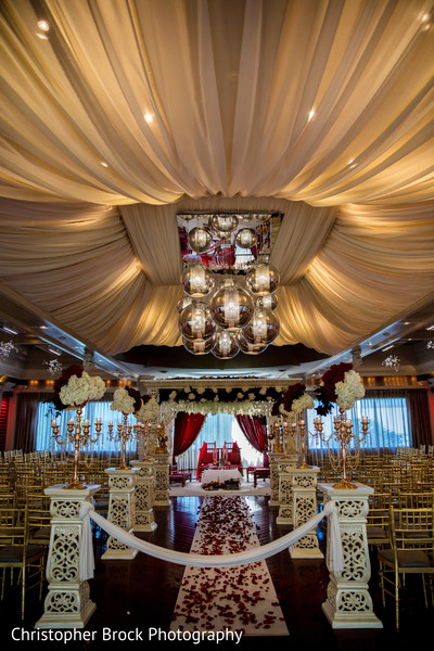 Overview of the stunning Indian wedding ceremony decor