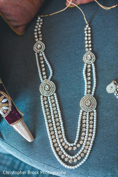 indian wedding,jewelry,venue,maharani